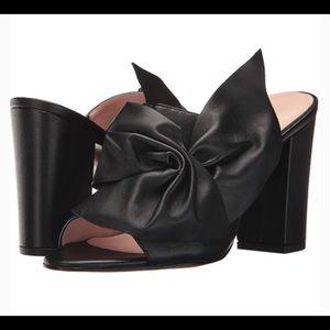 Avec Les Filles heels